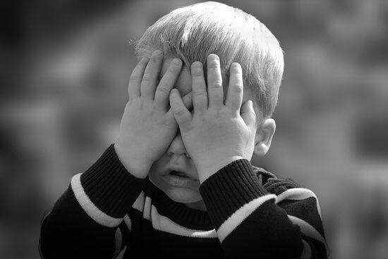 Was mache ich, wenn mein Kind traurig ist?
